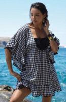 Kostkované plážové šaty s širokými rukávy