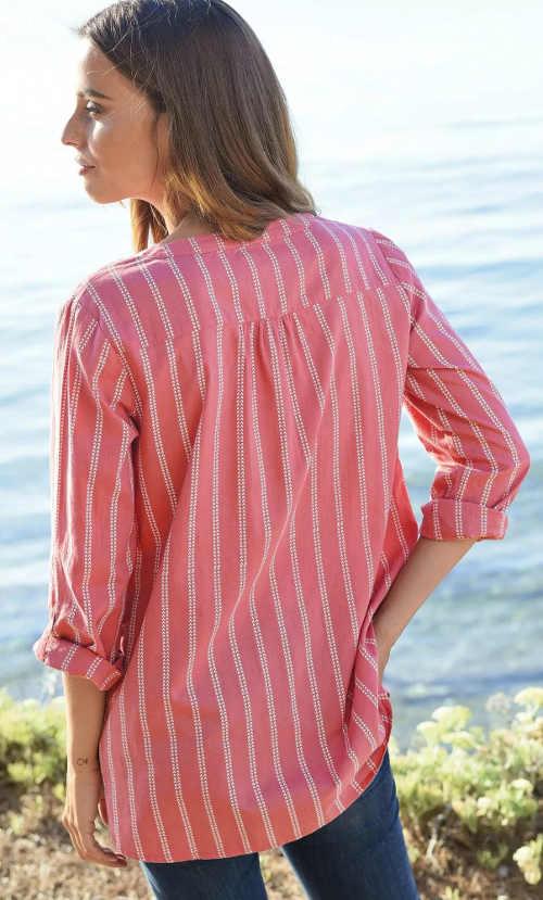 Ružová pruhovaná košeľová blúzka s dlhými rukávmi