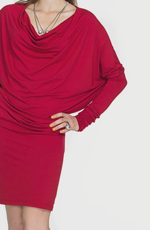 Tunikové šaty s netopierími rukávmi